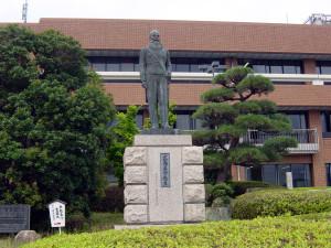 銅像今 (2)