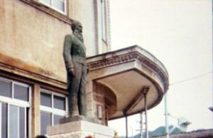 銅像 (1)cc